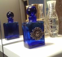 Ezüst ?! díszítéssel kék pafümös üveg, régi