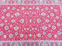 Kézi, perzsa szőnyeg, dús, virág motívumokkal. Szakadás mentes, fotók szerinti állapotban.