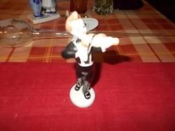 A kis hegedű művész.Hollóházi porcelán