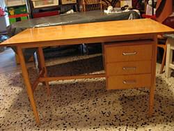 Retro íróasztal