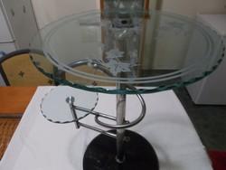 Gyönyörű 2 kör alakú üveglapos kis asztalka