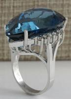 18k arany luxus gyémánt gyűrű London Blue topázzal