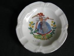 Drasche porcelán tálka parasztlánnyal