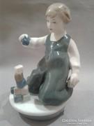 ROYAL DUX Kockákkal játszó kislány