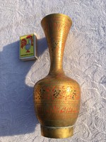 Indiából hozott kézműves réz Indiai váza
