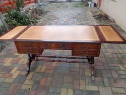 Antik kanapéasztal