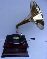 Mechanikus gramofon, működik!