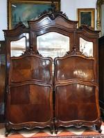 Restaurált bécsi barokk ágyak párban