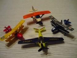 4db repülő,a régi Kinder sorozatból