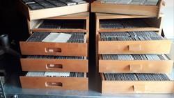 2 retro diatartó szekrény,kb 2700 dikocka