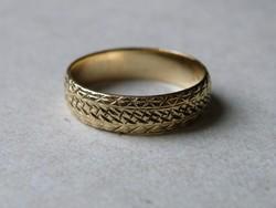 KK534  9 karátos sárga arany gyűrű fémjelzett