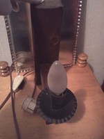 Fali lámpa-falikar