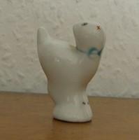 Porcelán csikknyomó cica