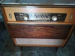 Antik álló rádió