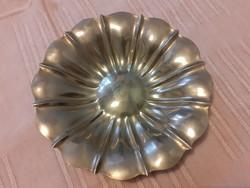 Virág formájú, fém (ezüstözött???) lábakon álló gyümölcstál