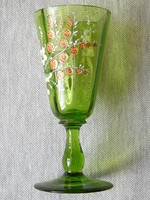 Zöld üveg talpas pohár kézi miniatűr festéssel. Boros , likőrös ?