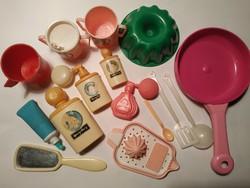 Műanyag babajátékok (fürdőszobai és konyhai eszközök)
