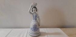 Hollóházi porcelán almaszedő nő