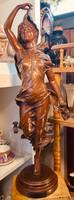 Francia Mayer bronz szobor