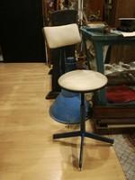 Műhely szék, ipari szék, állítható támlás műszerész vagy tanműhely szék loft, industrial