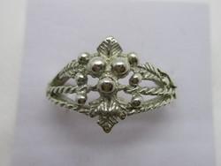 Szép kézműves design ezüst gyűrű