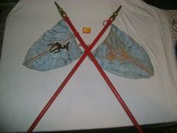 Régi őrsi zászló, kisdobos zászló nyéllel - mókus és őzike őrs - két darab