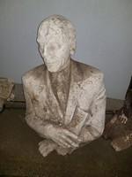 40 kiló környékén, 93 cm magas, hatalmas gipsz szobor, a zuglóiak láthatták egy kertben...
