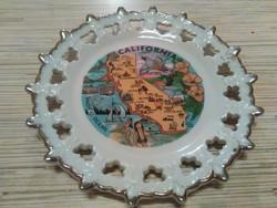 Áttört mintás porcelán fali dísz tányér