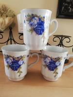 Gyönyörű kék rózsás bordás karlovarský bögrék 3 dl