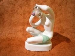 Aquincumi porcelán haját igazító akt
