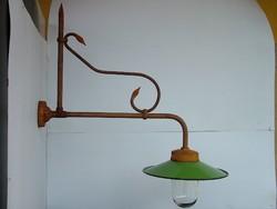 Kültéri vas lámpa