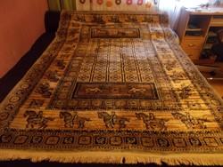 Szép hibátlan selyem szálal  készített jelenetes szőnyeg