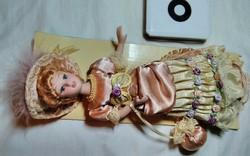 De Agostini ,Régi idők hölgyei porcelán baba . Gyűjtőknek .