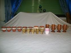 Retro kerámia likőrös, pálinkás poharak vegyesen - 18 darab