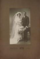 Régi esküvői fénykép, vastag kartonon. 2. Schmidt Ede utóda foto.