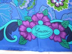 Nagyon szép Gucci selyemkendő