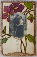 Kézirajzzal és beragasztott fotóval dekorált szecessziós képeslap, 1910