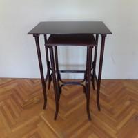 Thonett asztalok, párban, felújított