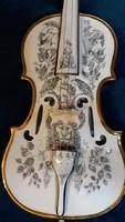 Szász Endre porcelán hegedű