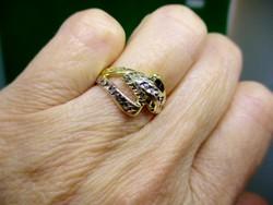 Szépséges vésett mintás 14kt arany gyűrű