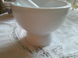 porcelán mozsár,  törövel