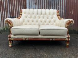 Fehér bőr kanapé