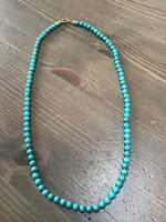 Türkiz, vagy türkiz színű ásvány nyaklánc