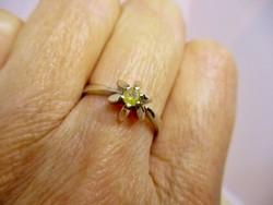 Szépséges arany gyűrű élénk sárga 0.20ct gyémánt kővel