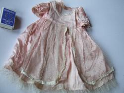 Vintage selyem  porcelán baba ruha, porcelánbaba ruha eredeti gyári darab, régi amerikai babáé volt