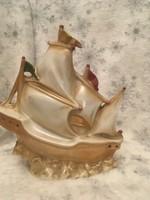 Porcelán hajó lámpatest