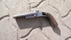 Duplacsövű gyúpeckes pisztoly