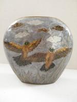 Kézzel készült madaras réz váza