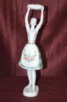 Hollóházi párnával táncoló leányzó  ( DBZ 00121 )