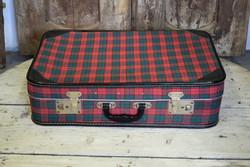 Retro kockás bőrönd